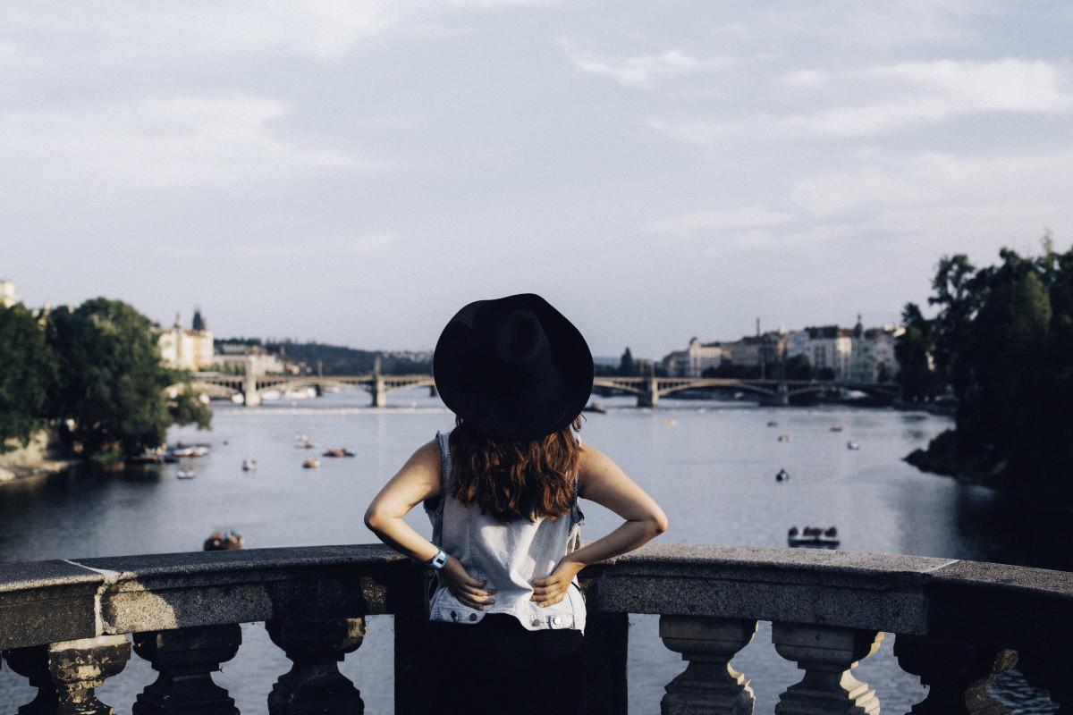 Autoportrait in Prague's view